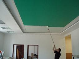Можно ли покрасить натяжные потолки