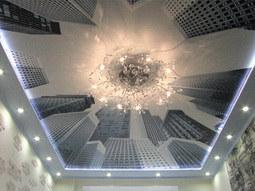 Встроенная подсветка светодиодами в карнизы натяжных потолков