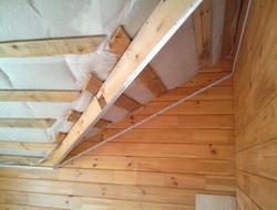 Потолок для мансарды в доме из бруса, монтаж теплоизоляции