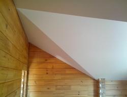 Потолок для мансарды в доме из бруса