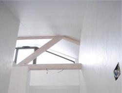 Потолок в таунхаусе с чердаком