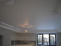 чем отделать потолок в танухаусе